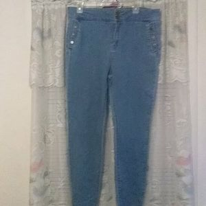 Lori Goldstein jeans